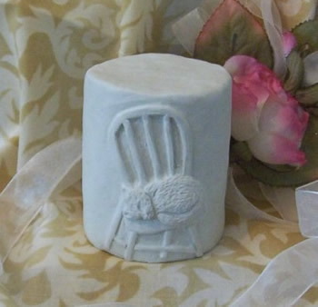 Heirloom Cat in Chair Solid Pillar Candle Mold