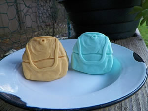 Purse with Clasp Handle Soap Mold